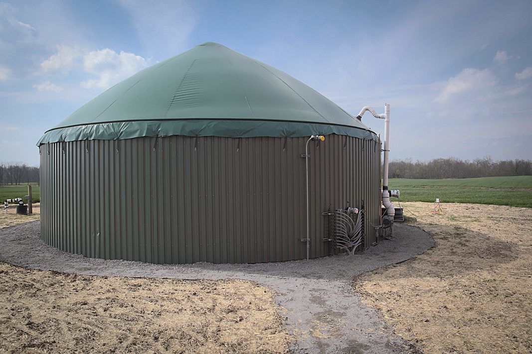 Technology turns manure into clean water