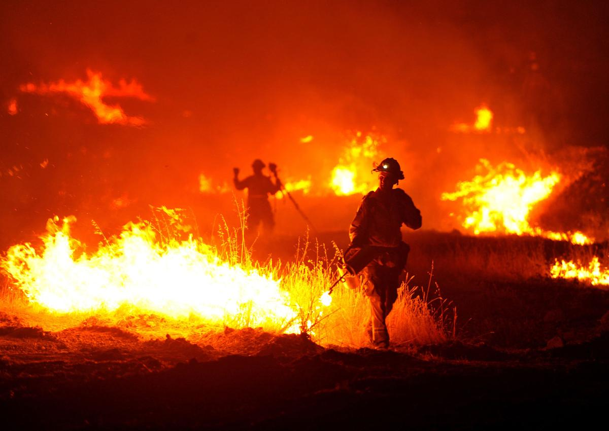 Drought-fueled Calif  wildfires threaten vineyards, displace