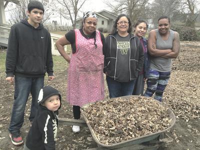 Wapato farm serves its community