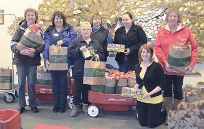 Farm Bureau volunteers go grocery shopping for a good cause