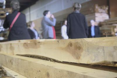 USDA officials tour Portland juniper wood business