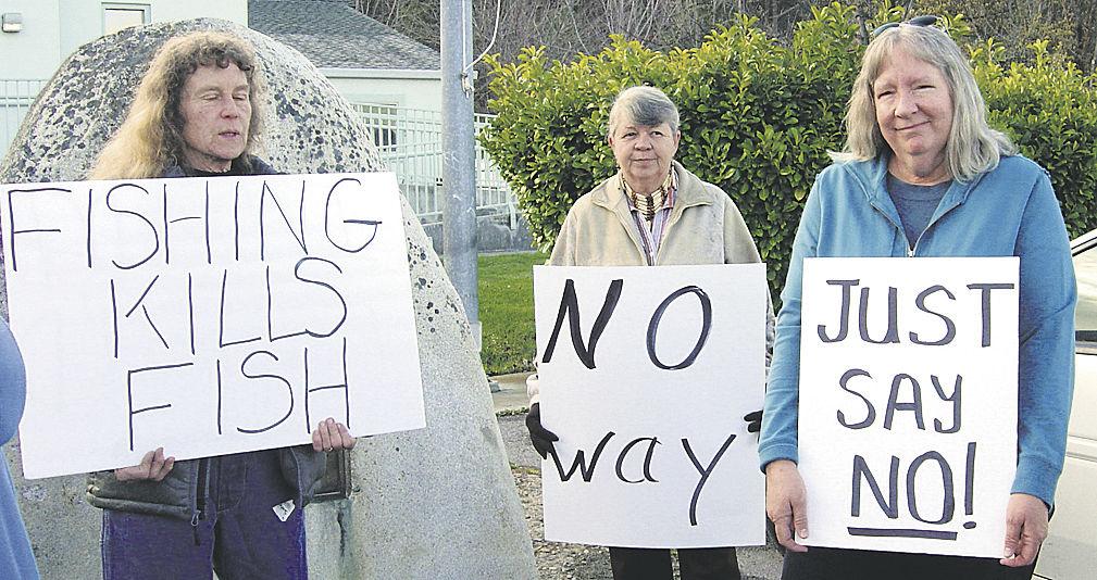 Protesters decry 'tightening noose'