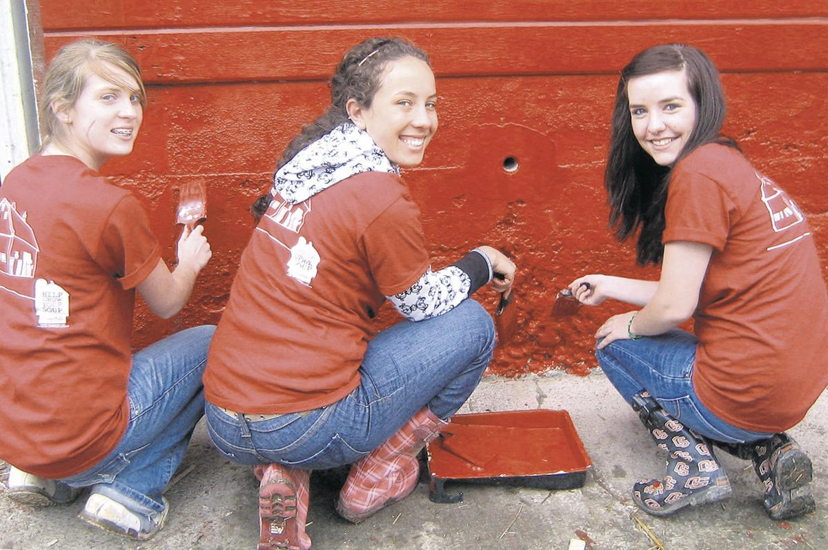 Soup maker serves up color for FFA barn