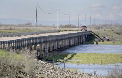 State may curb pumping near Aqueduct to halt subsidence-related damage