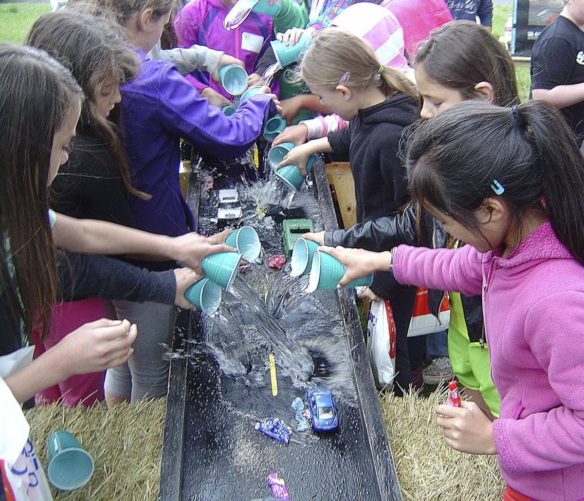 Hands-on activities teach hydrology, math at ag ed day