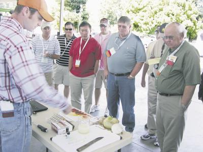 Onion growers learn about 'sweet' test kit