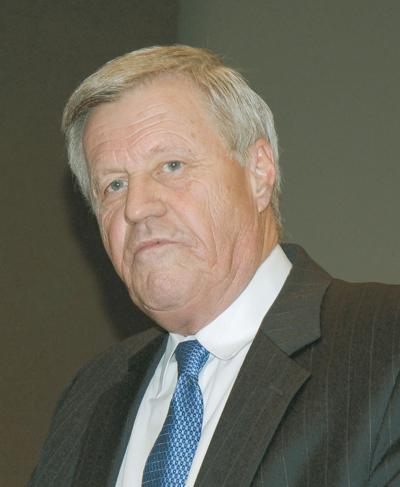 Peterson attacks farm bill payout cap