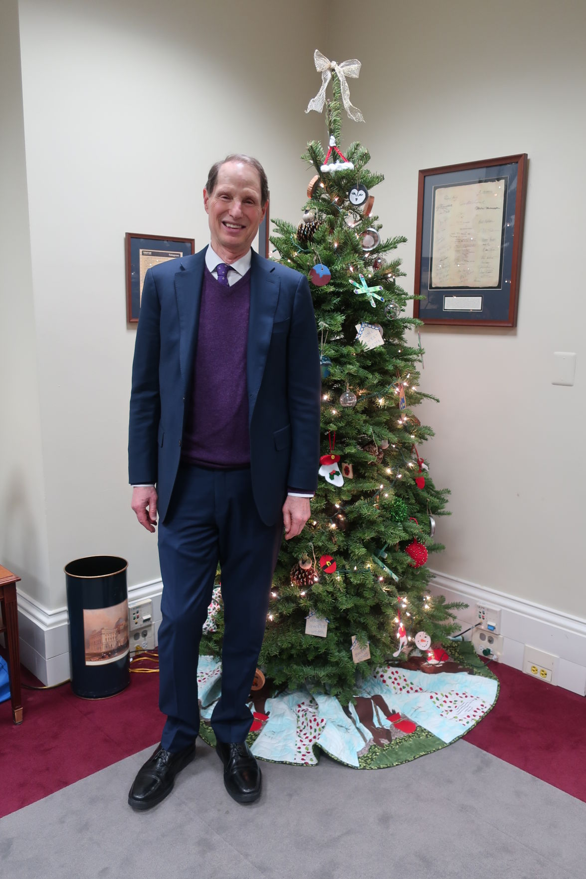 Wyden and his Christmas tree