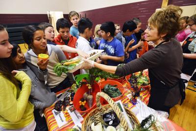 Farm to Market teaches students healthy food choices