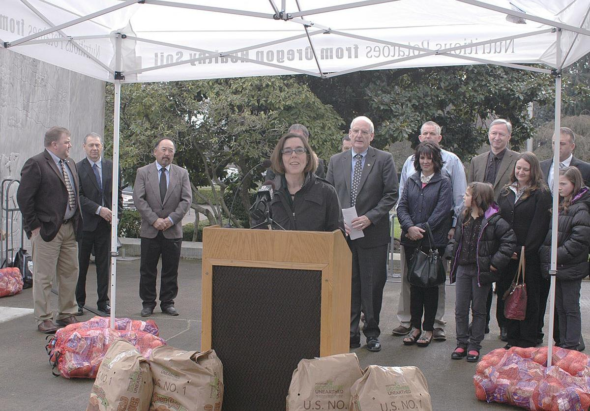 Spud and onion day at the Capitol