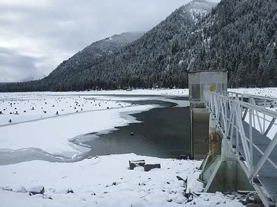 Snowpack reservoirs