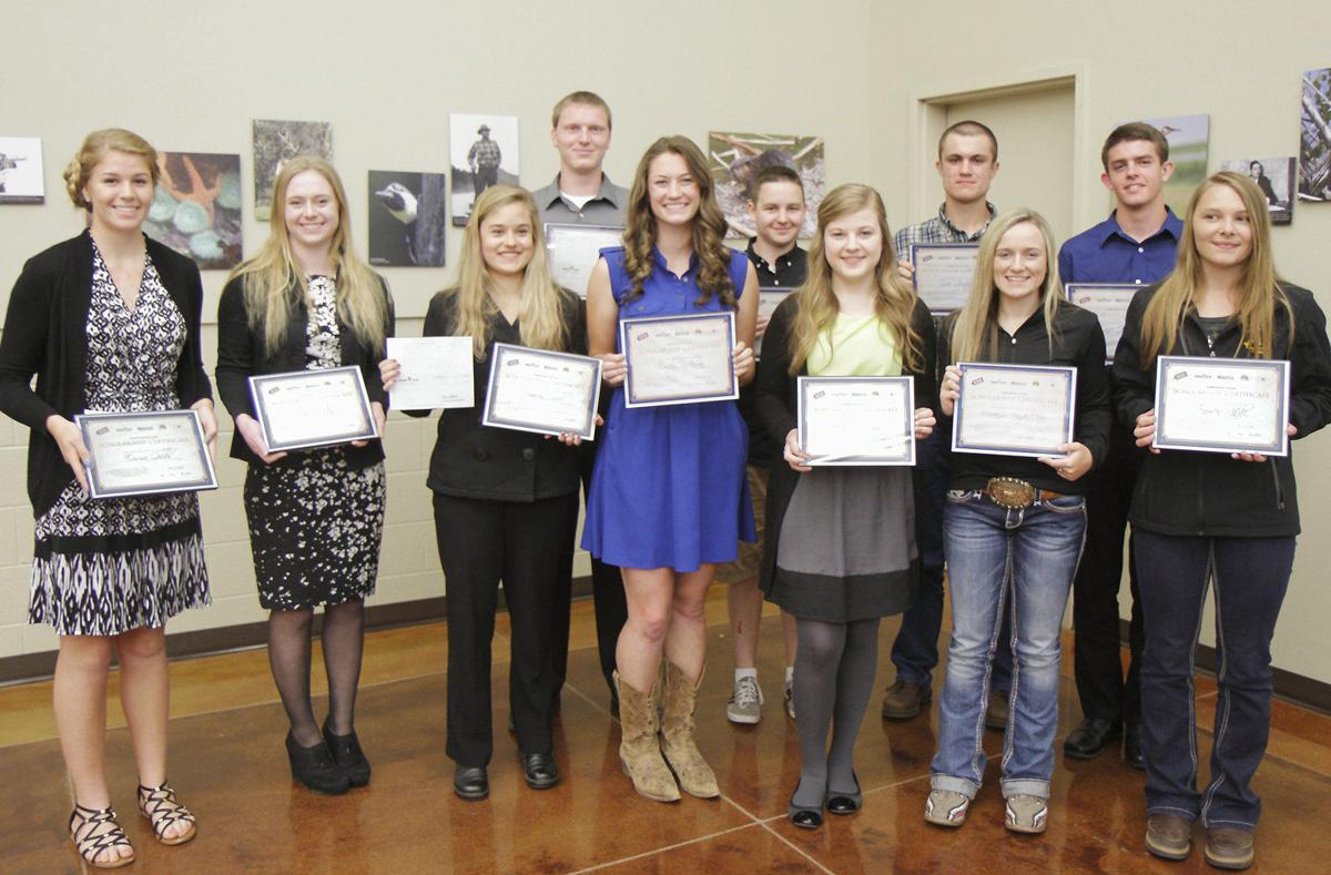 Grange Co Op And Rogue Co Ops Announce 2016 Scholarship Recipients