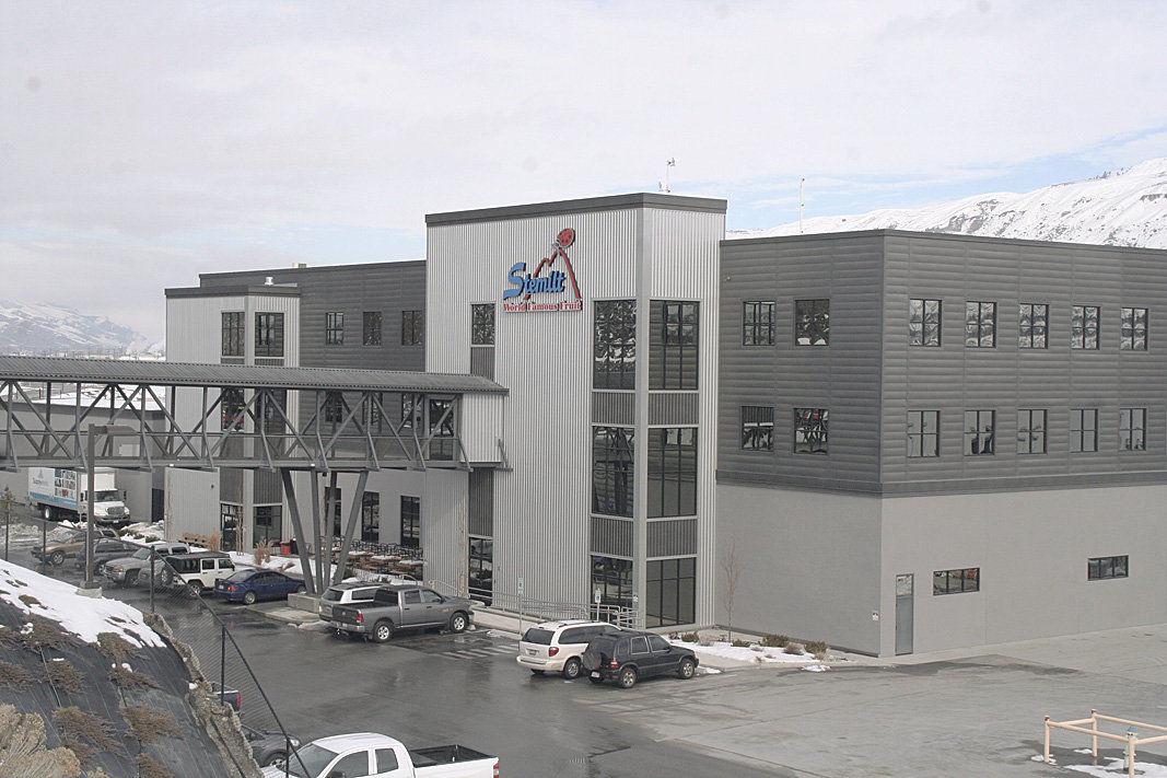 Stemilt builds advanced fruit shipping center | Washington