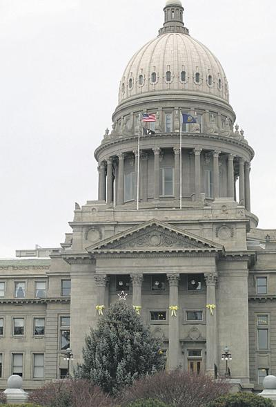 Growers square off to lead House