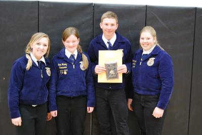 Salmon FFA Chapter Hosts Horse Judging Clinic