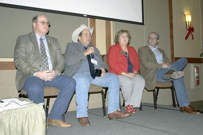 Cattlemen talk politics