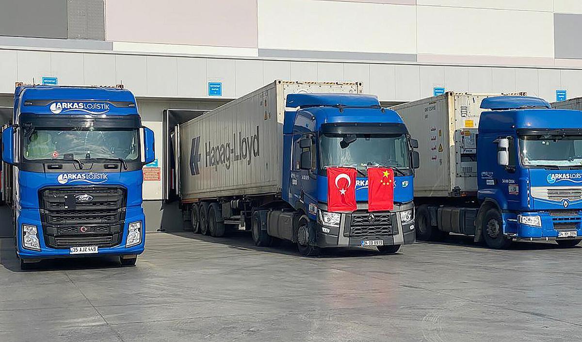PA Gedik trucks.jpg