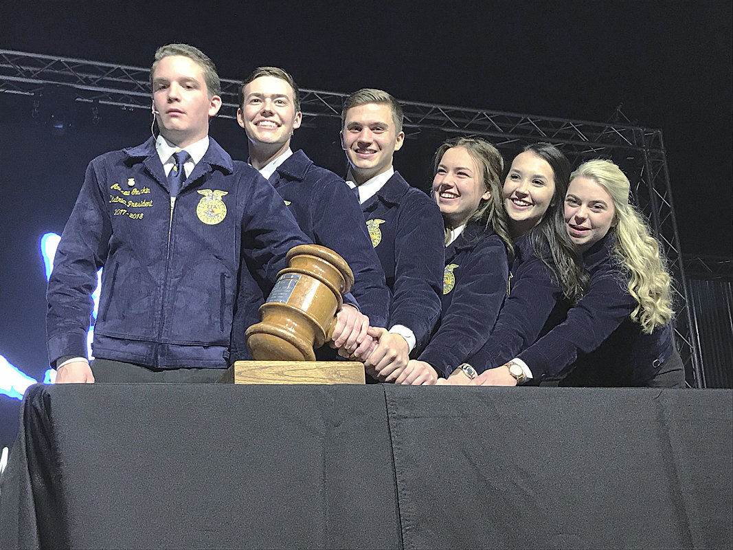 Oregon FFA installs new state leaders