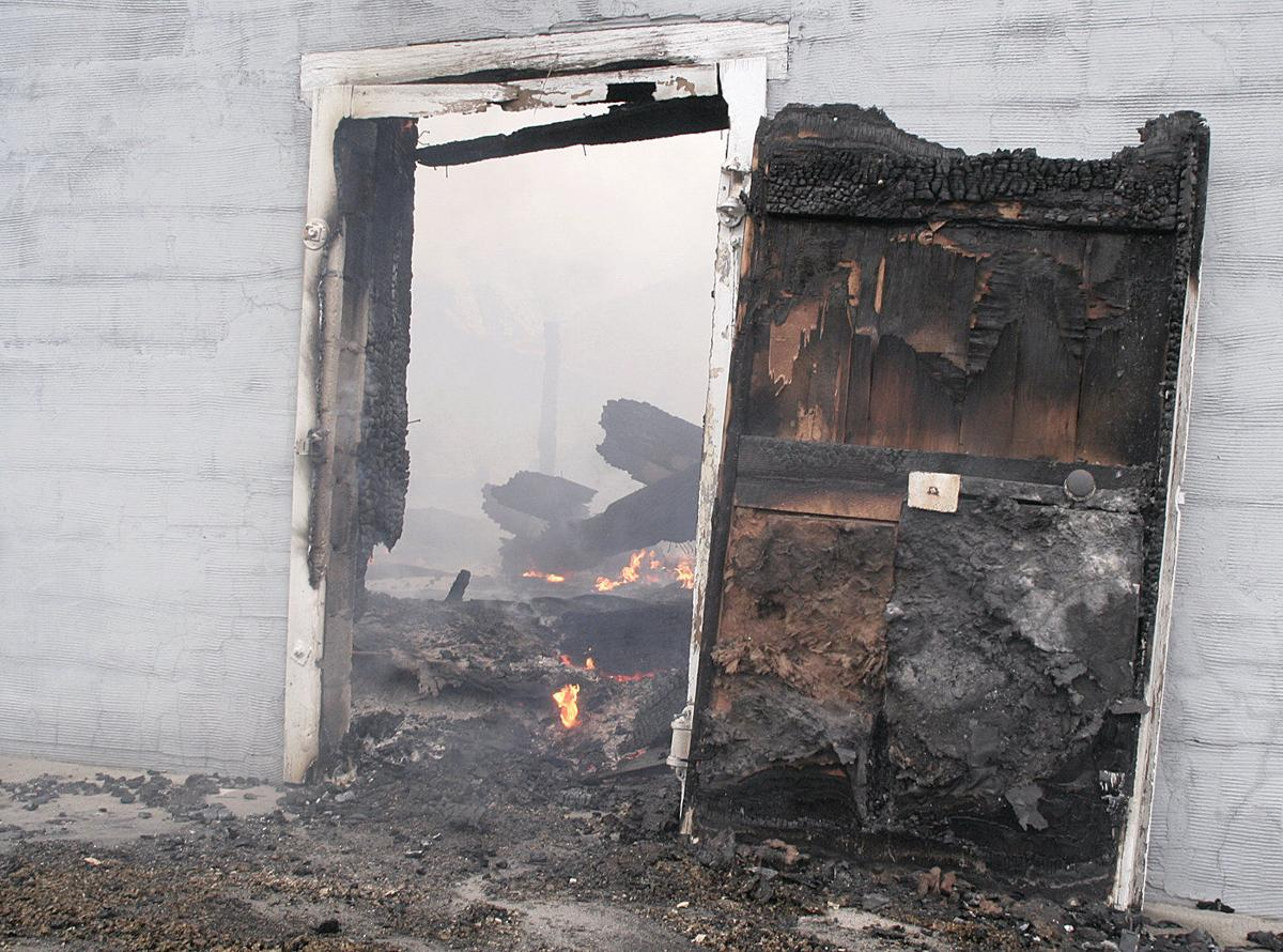 Fire damages Washington apple packer