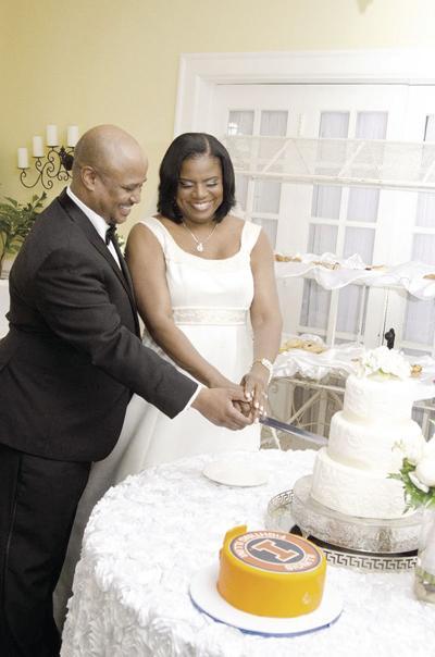 Karen & Groom cutting cake