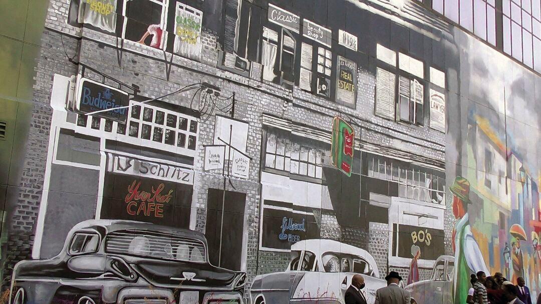 1401 Main Street mural