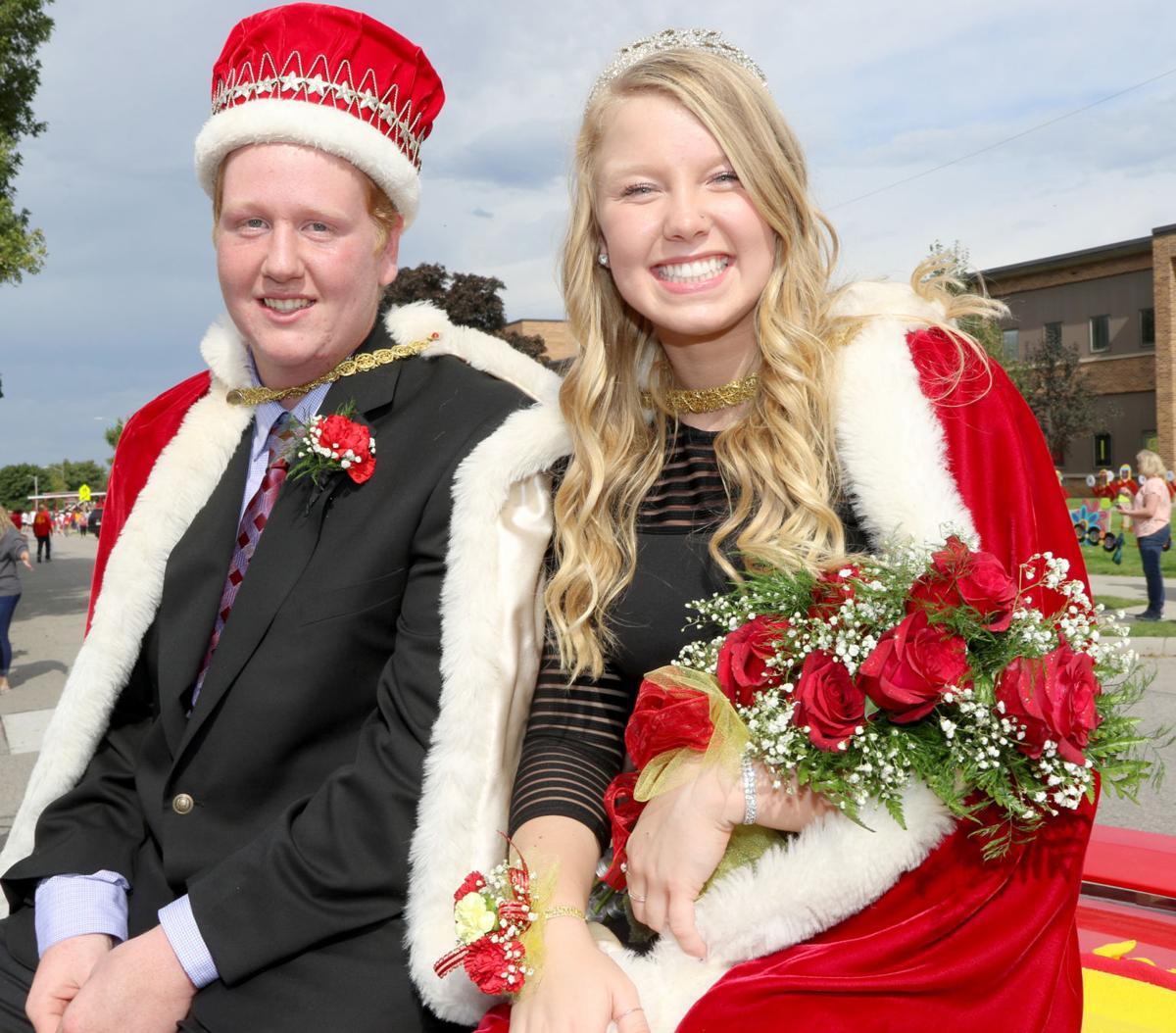 kuemper homecoming royalty5 19-09-27.jpg