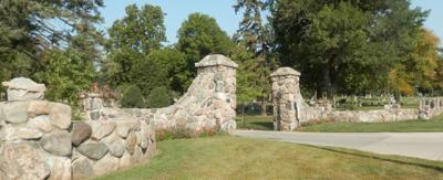 cemetery entrance 21-02-11s