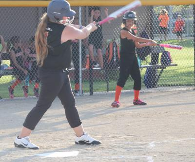 CC Rec. 10&U softball defeats Geary County