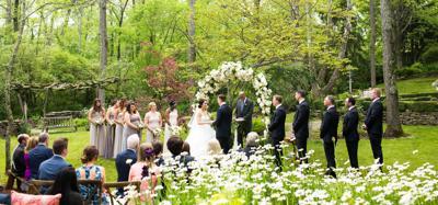 Personalized Floral Décor Promises the Fondest Wedding Memories