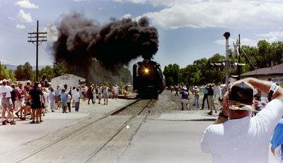 Last passenger train through BV