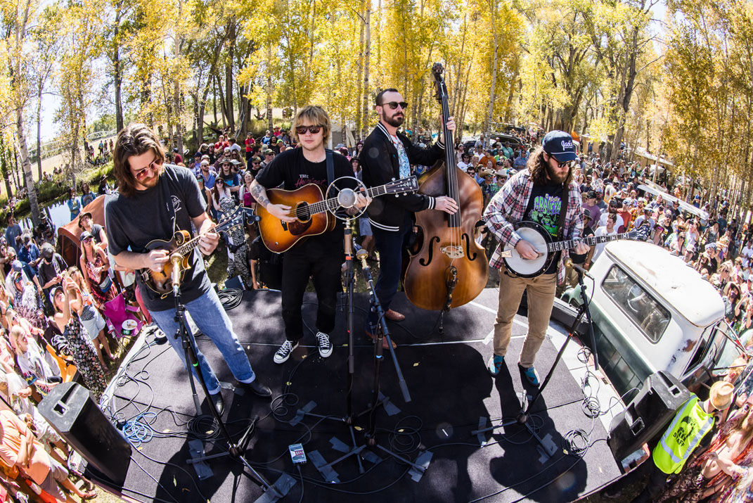 Billy Strings and band