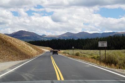 Cottonwood Pass open sign