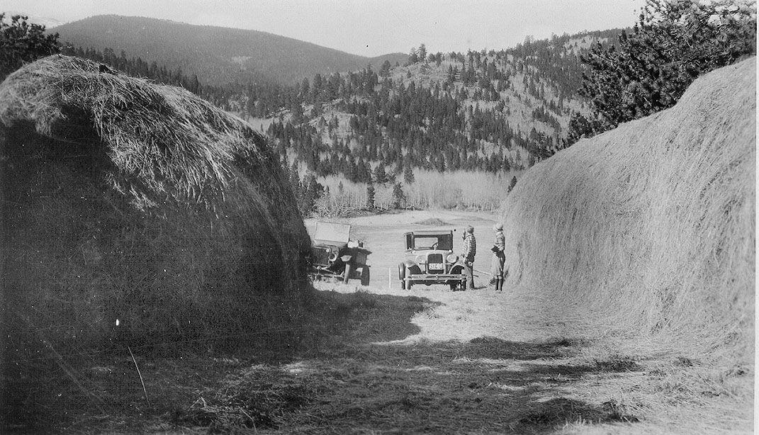 Haystacks 2 1925-26.jpg