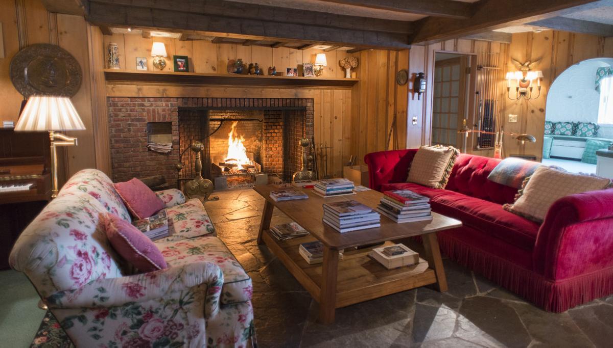 Roundwood Manor living room