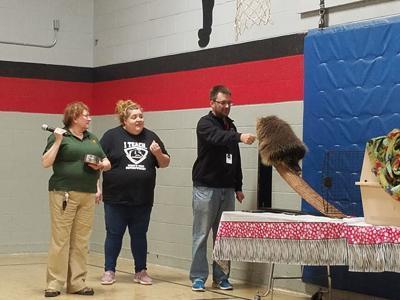 Akron Zoo visits Jordak Elementary School
