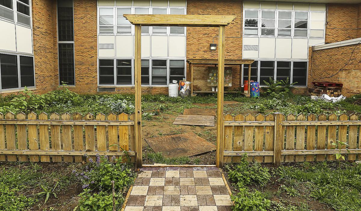 Iowa-Maple Elementary School