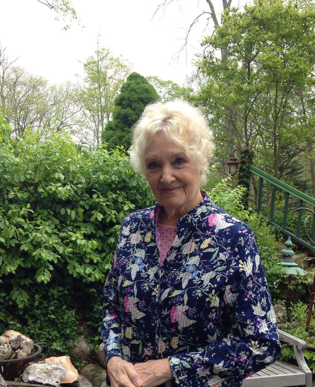 Suzanne Gloden