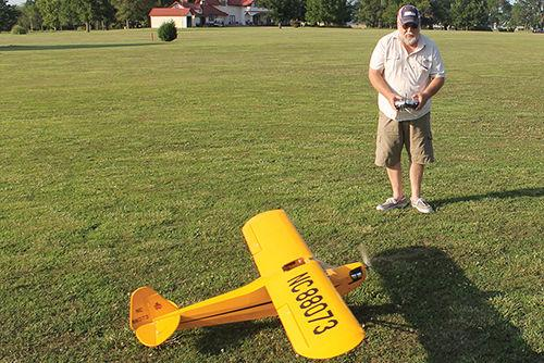 Model planes in Humboldt - The Chanute Tribune: Community