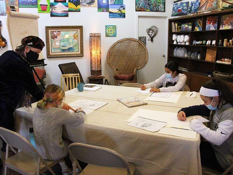 Dena's Art Den provides art lessons to public
