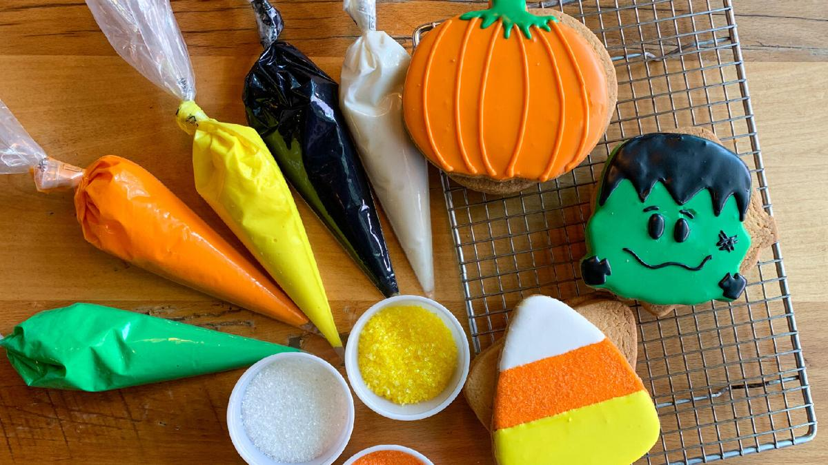 Beatrix Halloween Cookie-making kits