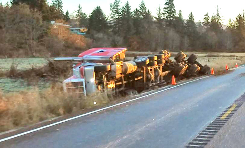 181205_co_news_semi_overturned1.jpg