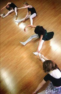The art of movement: Peninsula girls get first taste of ballet at River City School