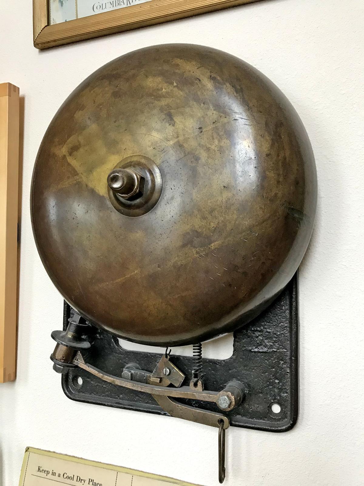 Hoist bell