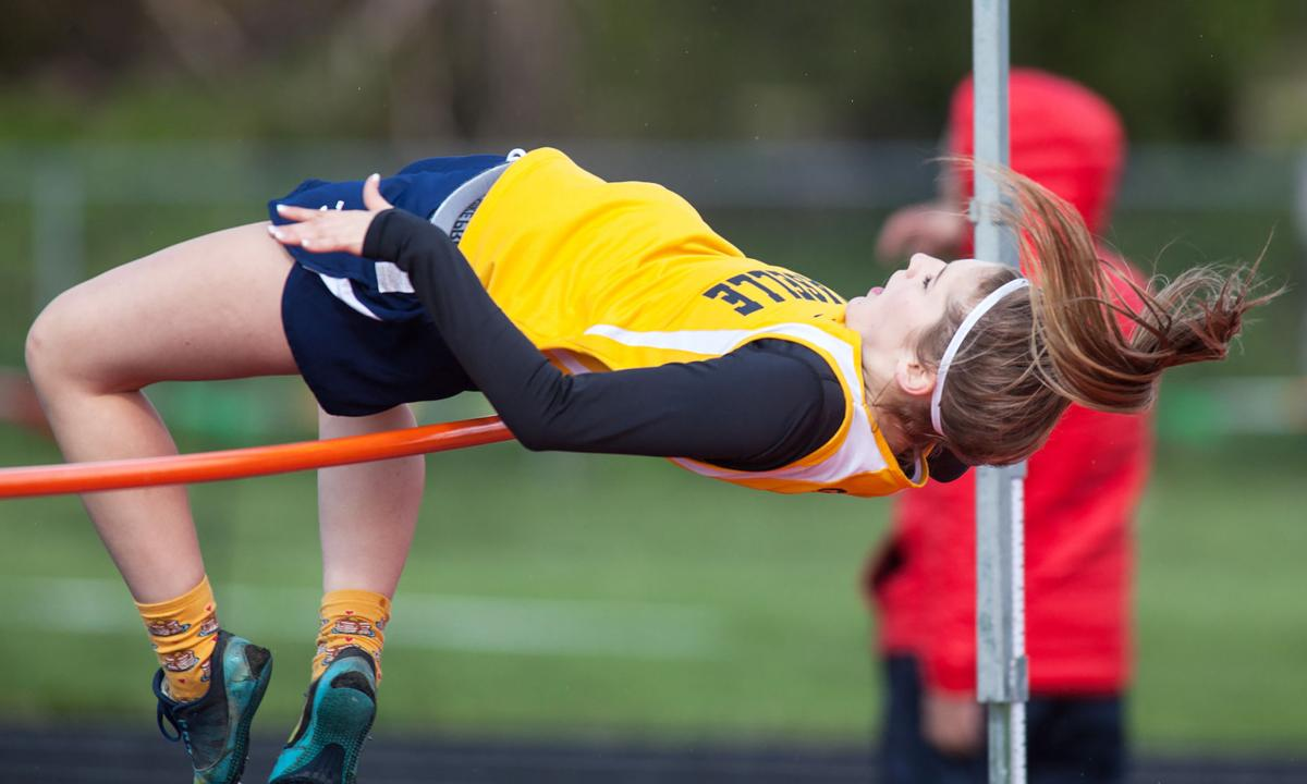 Naselle soars to 2nd at Raymond meet