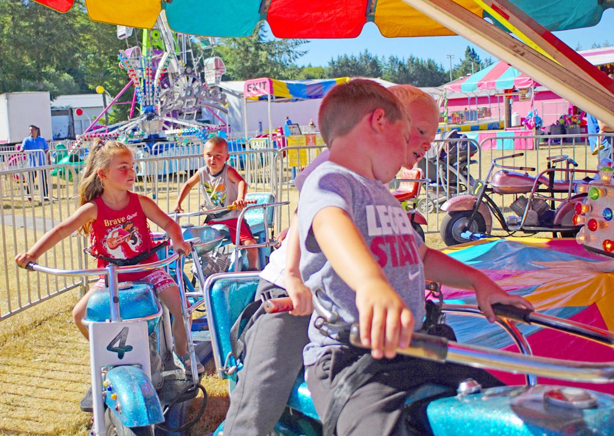 Warm hearts, temps at the Pacific County Fair