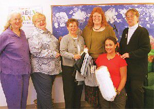 GFWC-Pacific Shores helps Head Start with gift of tote bags