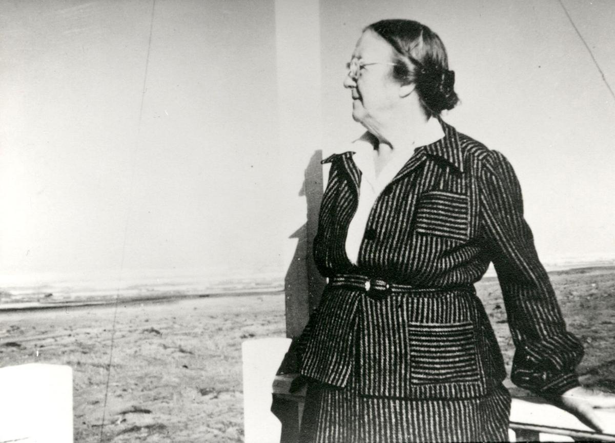 Coast Chronicles: The ghost of Elizabeth Lambert Wood