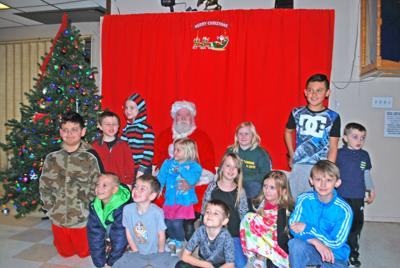 Elks, Moose host early Christmas party for local kids