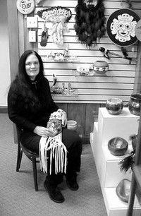 Linda Moulton brings love of beadwork to OP