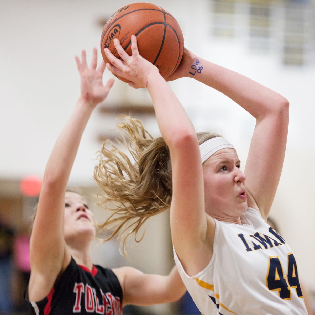 IHS girls leap to huge win over Toledo